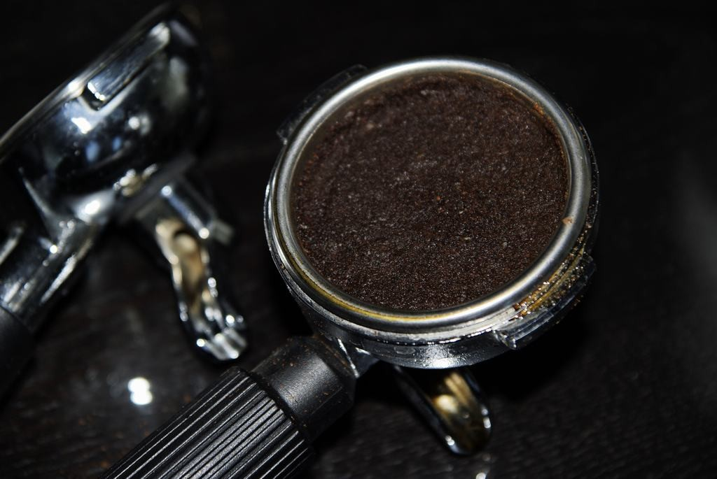 szűrőkosár kevés kávé